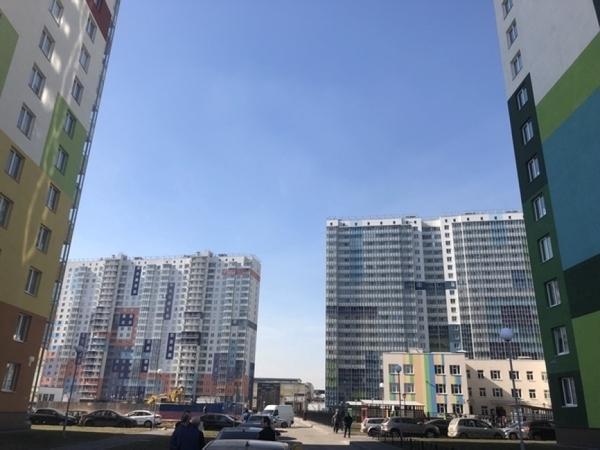 Спрос на новостройки растет в Москве и снижается в Подмосковье