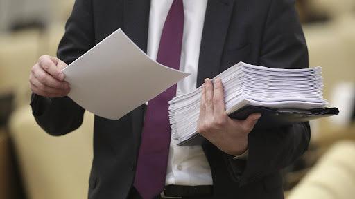 Госдума рассмотрит законопроект по защите электронных сделок с жильем
