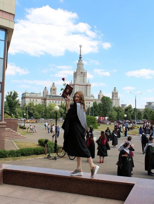 Сколько стоит снять квартиру рядом с МГУ, ВШЭ, СПбГУ?