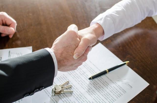 Мнение: проблемные дома могут завершать страховые компании