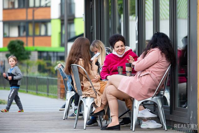 Хорошие отношения с соседями особенно важны в маленьких городах