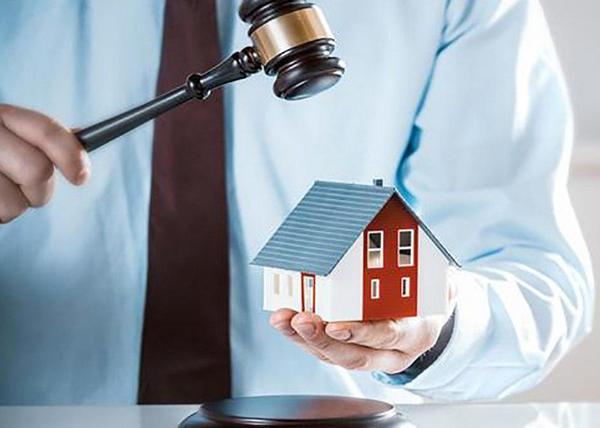 Минюст предлагает отбирать у должников часть единственного жилья