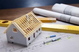 Из-за незаконной перепланировки балкона можно лишиться квартиры