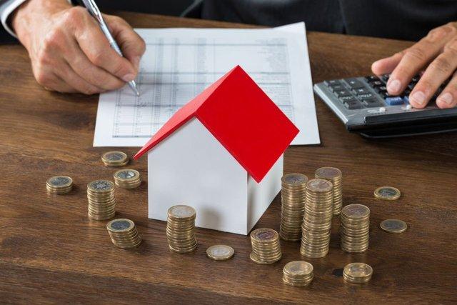 Надо платить налог на продажу, если квартира приватизирована в 2021-м?