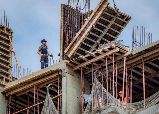 В России стали строить меньше индивидуального жилья