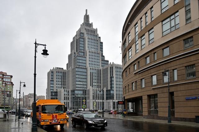 В Москве завершили высотный долгострой в Оружейном переулке